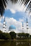 SHAH ALAM, ΜΑΛΑΙΣΊΑ - 5 ΔΕΚΕΜΒΡΊΟΥ 2018: Μουσουλμανικό τέμενος Salahuddin Abdul Aziz Shah σουλτάνων γνωστό επίσης ως μπλε μουσουλ στοκ εικόνα με δικαίωμα ελεύθερης χρήσης