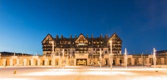 Shahdag - 27 Φεβρουαρίου 2015: Ξενοδοχεία τουριστών επάνω Στοκ Φωτογραφίες