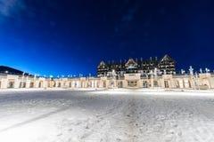 Shahdag - 27-ое февраля 2015: Туристские гостиницы дальше Стоковая Фотография