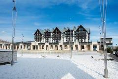 Shahdag - 8. Februar 2015: Touristische Hotels an lizenzfreies stockfoto