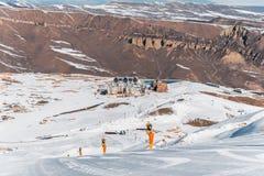 Shahdag - 8. Februar 2015: Touristische Hotels an Lizenzfreie Stockbilder
