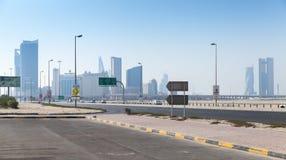 Shaikh Hamad Causeway Manamastad, Hoofdstad van Bahrein stock afbeelding