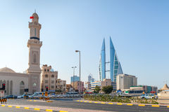 Shaikh Hamad Causeway-straatmening Manama, Bahrein royalty-vrije stock afbeelding