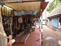 SHAKALAND,南非-大约2011年11月:传统纪念品在Shakaland的待售 免版税图库摄影