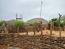 Shakaland, zbliżenie kamienia ogrodzenie wokoło zulu wioski Obrazy Royalty Free