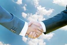 Shake för hand för affärsmän royaltyfri foto