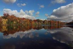 Shaker Lakes, Cleveland, Ohio, in de Herfst royalty-vrije stock afbeelding