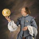 Shakespeare con il globo. fotografia stock libera da diritti