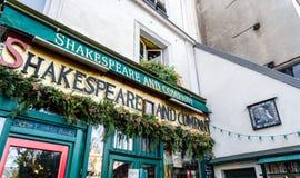 Shakespeare e livraria de Empresa em Paris foto de stock