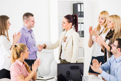 Shaking Hands in the office Royalty Free Stock Photos