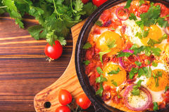 Shakshuka Tradycyjna Izraelicka kuchnia Smażący jajka z vegetabl Obrazy Stock