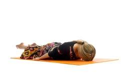 Shalabhasana Ardha, положение в йоге, также вызвано Половина Саранча стоковая фотография rf