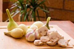 Shallots e cogumelos Imagens de Stock Royalty Free