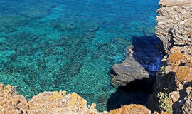 Shallow clear sea of Crete Stock Photography