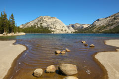 The shallow lake inl park Yosemite Royalty Free Stock Photography