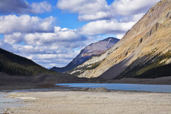 Shallow lake in mountains of Canada Royalty Free Stock Photography