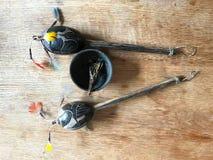 Shamanic小手鼓和Shamanic灼烧的叶子 库存图片