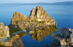 Shamanka-Roca en el lago Baikal Foto de archivo libre de regalías