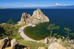 Shamanka-Rocha no lago Baikal Fotografia de Stock Royalty Free