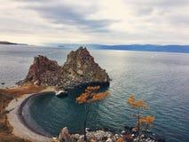 Shamanka skała na Jeziornym Baikal Fotografia Stock