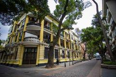 Shamian parkerar historiska byggnader Fotografering för Bildbyråer