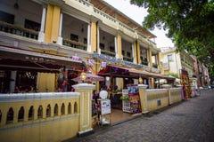 Shamian parkerar historiska byggnader Royaltyfria Bilder