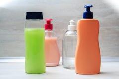 Shampoo en vloeibare zeep stock afbeelding