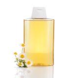 Shampoo met kamille Royalty-vrije Stock Afbeeldingen