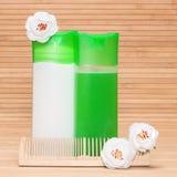 Shampooing et conditionneur pour cheveux naturels photos stock