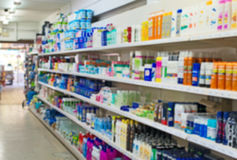 Shampoos und Haushaltschemikalien im Supermarkt Lizenzfreie Stockfotografie