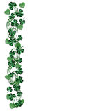 Shamrocks da beira do dia do St Pattys Imagem de Stock
