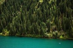 shan för kazakhstan tien kolsay lakeberg royaltyfri foto