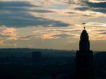 Shandon Klockor & tornSts Anne solnedgång för kyrka royaltyfri fotografi