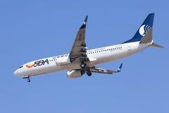 Shandong Airlines B-5111 Boeing 737-800 che atterra, Pechino, Cina Immagine Stock Libera da Diritti