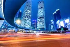Shangai céntrica en la noche Imagen de archivo libre de regalías