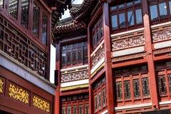 Shangai vieja contiene los tejados Yuyuan China del rojo Fotos de archivo libres de regalías