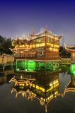 Shanghai-altes Tee-Haus nachts Lizenzfreie Stockbilder
