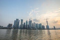 Shanghai bund på solnedgången Arkivbilder