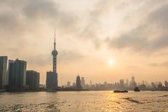 Shanghai bund på solnedgången Fotografering för Bildbyråer