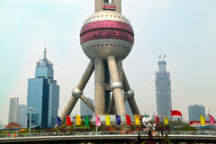 Shanghai China: Oosterse Pareltoren in Pudong Royalty-vrije Stock Afbeelding