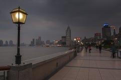 SHANGHAI/CHINA 5TH MARZEC 2007 - zimy burzowa noc na b Zdjęcie Royalty Free