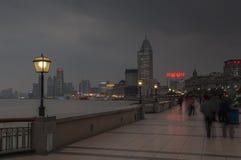 SHANGHAI/CHINA 5TH MARZEC 2007 - zimy burzowa noc na b Fotografia Royalty Free