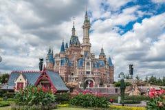 Shanghai Disneyland in China stock afbeeldingen