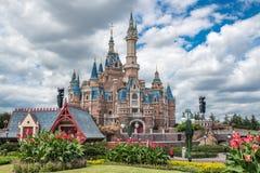 Shanghai Disneyland i Kina royaltyfria bilder
