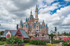 Shanghai Disneyland i Kina arkivbilder