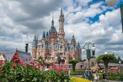 Shanghai Disneyland i Kina royaltyfri fotografi