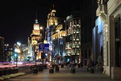 Shanghai-europäische alte Gebäude der Nacht Stockfoto