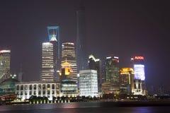 Shanghai finansiell mitt på natten Fotografering för Bildbyråer