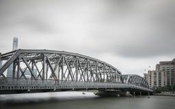 Shanghai fora da ponte branca fotografia de stock