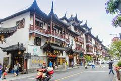 Shanghai gammal town, Yuyuan trädgårdar royaltyfri foto